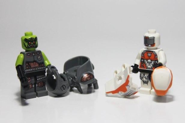 Lego-Minifigures-9-09